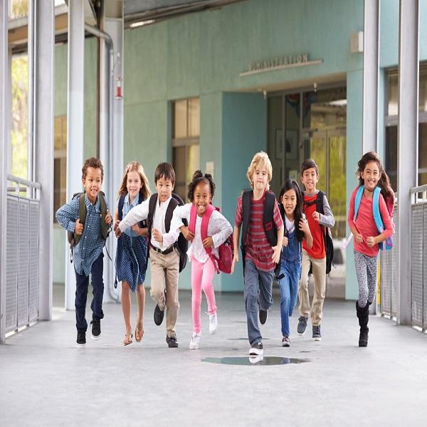 Geniet van je unieke jeugd, pak een mooie tas voor je schoolleven!